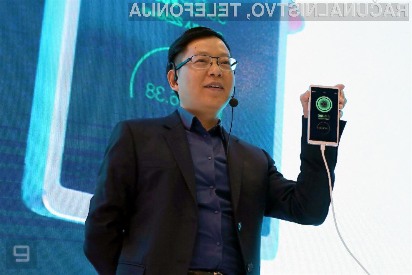 Oppo SuperVOOC lahko povsem izpraznjeno baterijo mobilnega telefona napolni v pičlih 15 minutah.