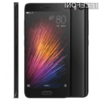 Na GearBestu lahko odličen mobilni telefon XiaoMi Mi5 kupimo že za 416 evrov.