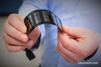 Inovativni izdelek iz perovskita, ki omogoča izdelavo fleksibilnih solarnih panelov.