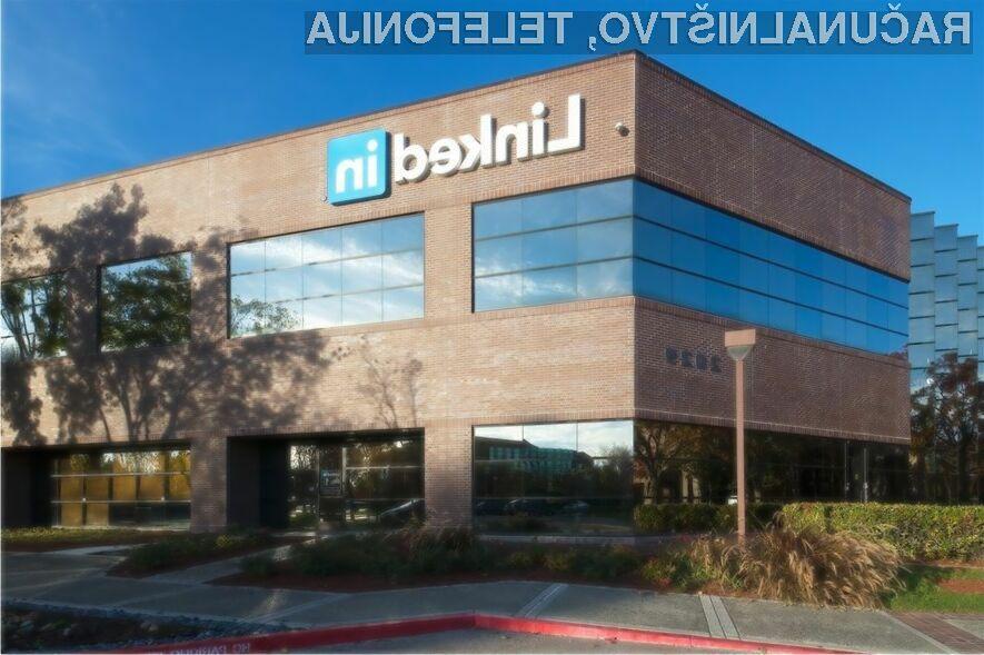 Microsoft naj bi družbeno omrežje LinkedIn prevzel najkasneje do konce leta.