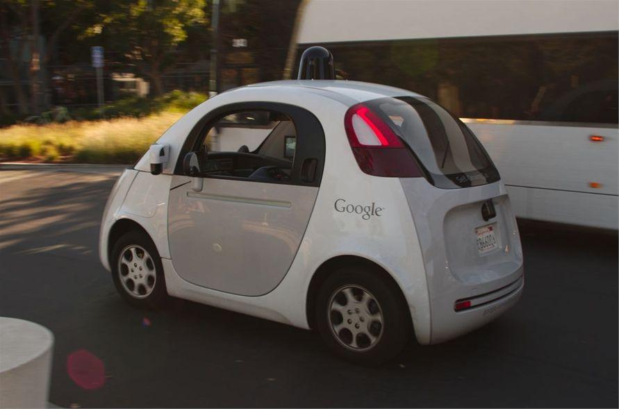 Do leta 2035 bo na cesti že okoli 21 milijonov avtonomnih vozil.