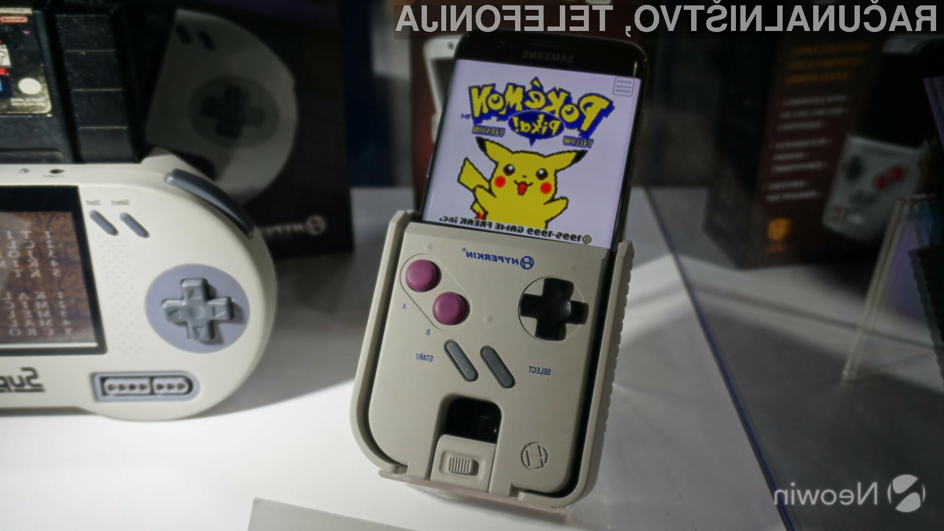 Dodatek Hyperkin Smart Boy odlično posnema priljubljeni GameBoy.