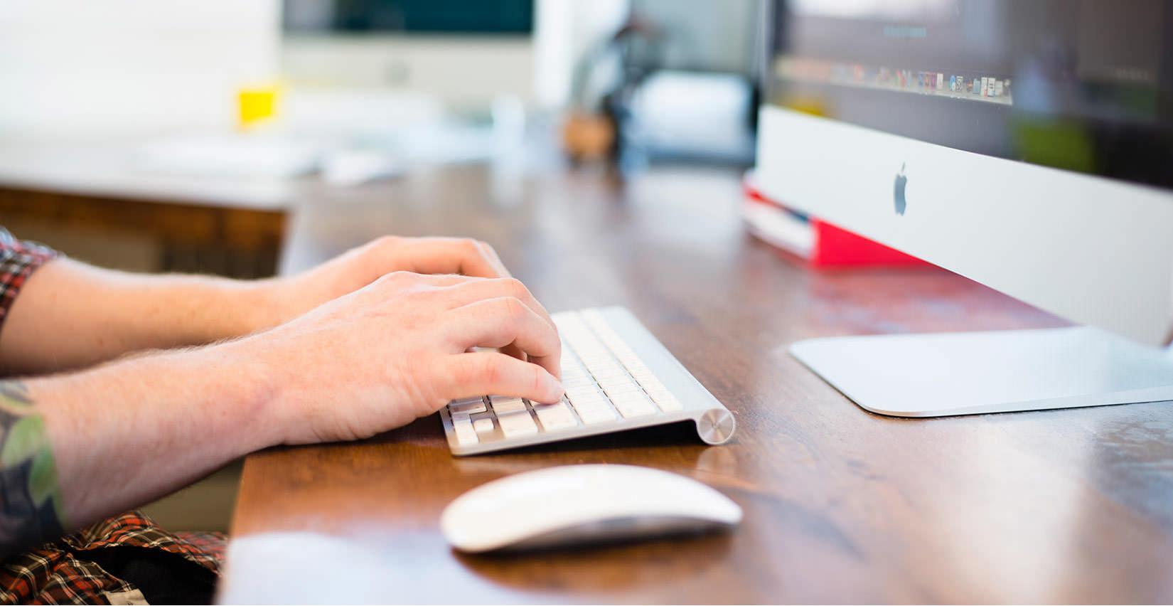 Znanje enega od priljubljenih programskih jezikov vam bo odprlo številne nove možnosti na področju zaposlovanja.
