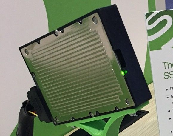 Pogon Solid State družbe Seagate kapacitete 60 terabajtov bo naprodaj leta 2017.