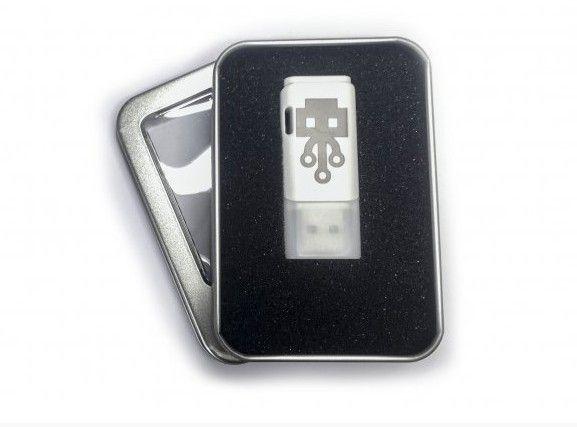 Ubijalski ključek USB je lahko vaš že za manj kot 50 evrov!