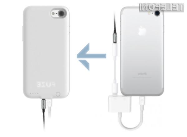 Inovativno ohišje za iPhone 7 omogoča uporabo slušalk s klasičnim priključkom.