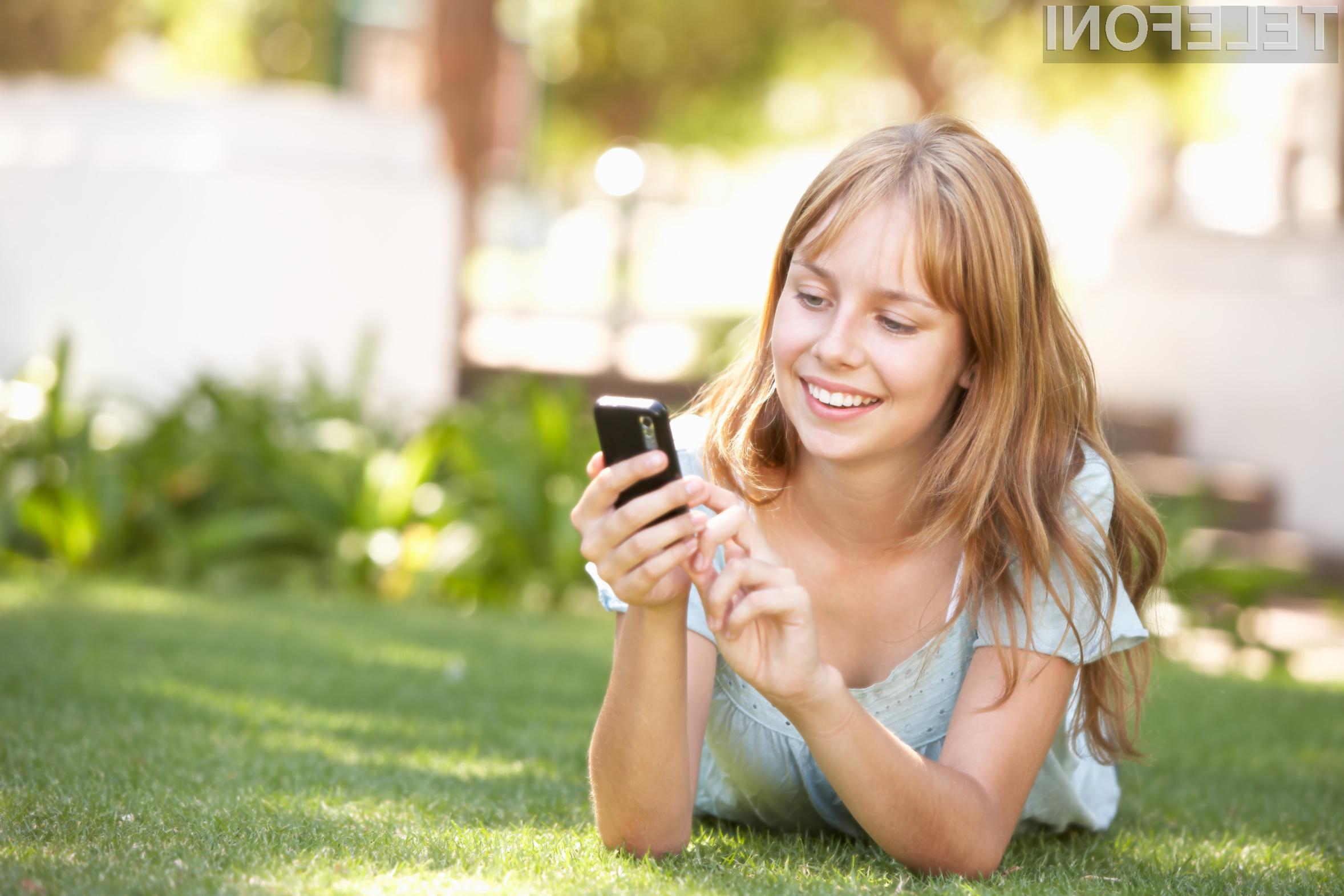 V starostni skupini med 18 in 24 let telefon ponoči uporablja že kar polovica uporabnikov.