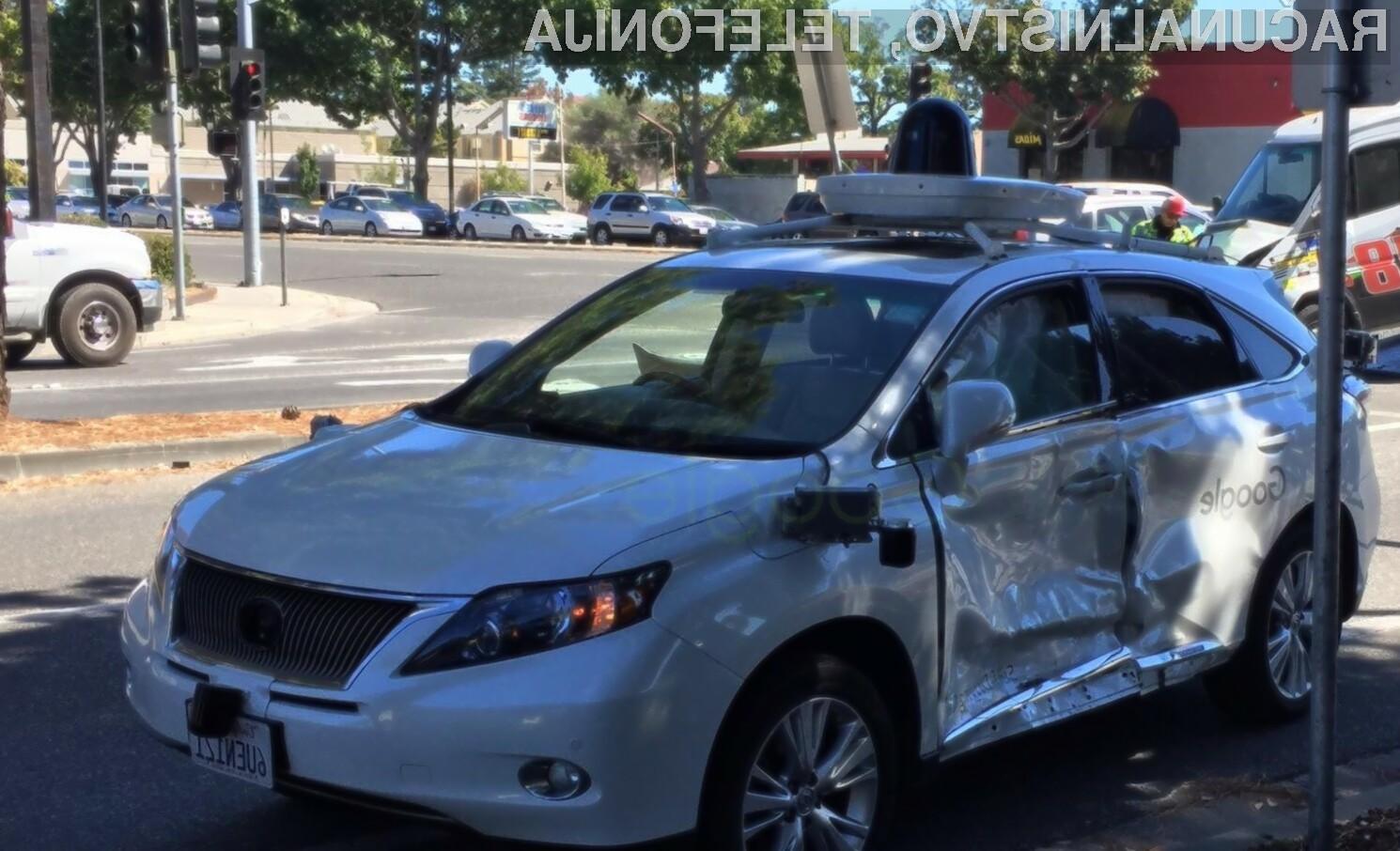 Za največjo nesrečo samodejnega avtomobila Google je bil kriv nepazljiv voznik kombija.