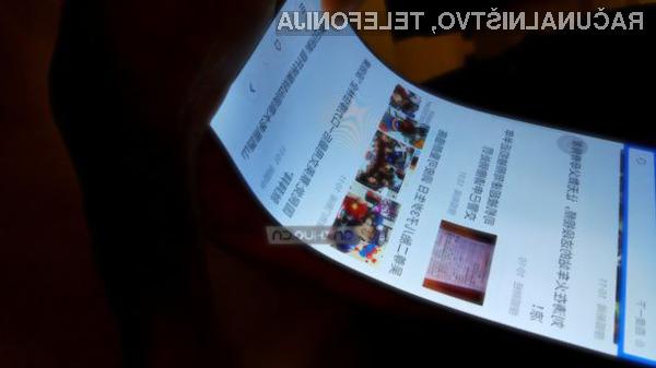 Upogljivi zasloni bodo povečali uporabnost mobilnih naprav!
