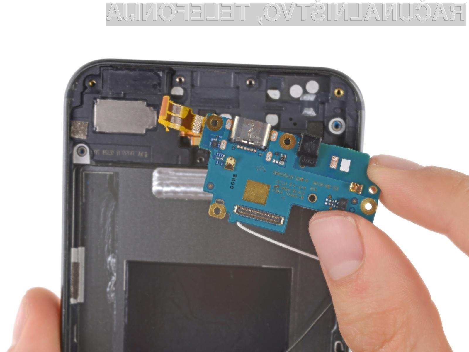 Pri telefonu Google Pixel XL je najtežje ločiti zaslon od zaščitnega stekla!