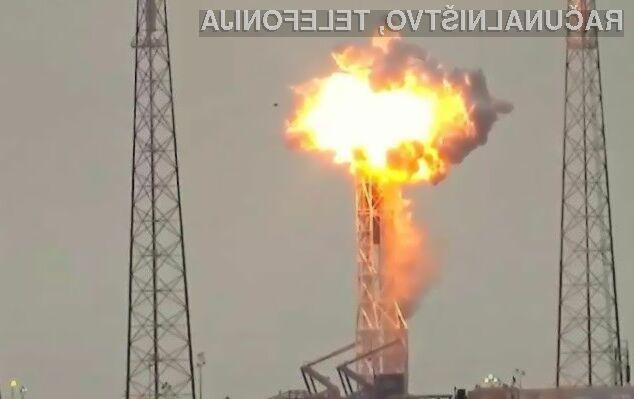 Facebooku je zagotovitev brezplačnega interneta v Afriki preprečila silovita eksplozija satelita.
