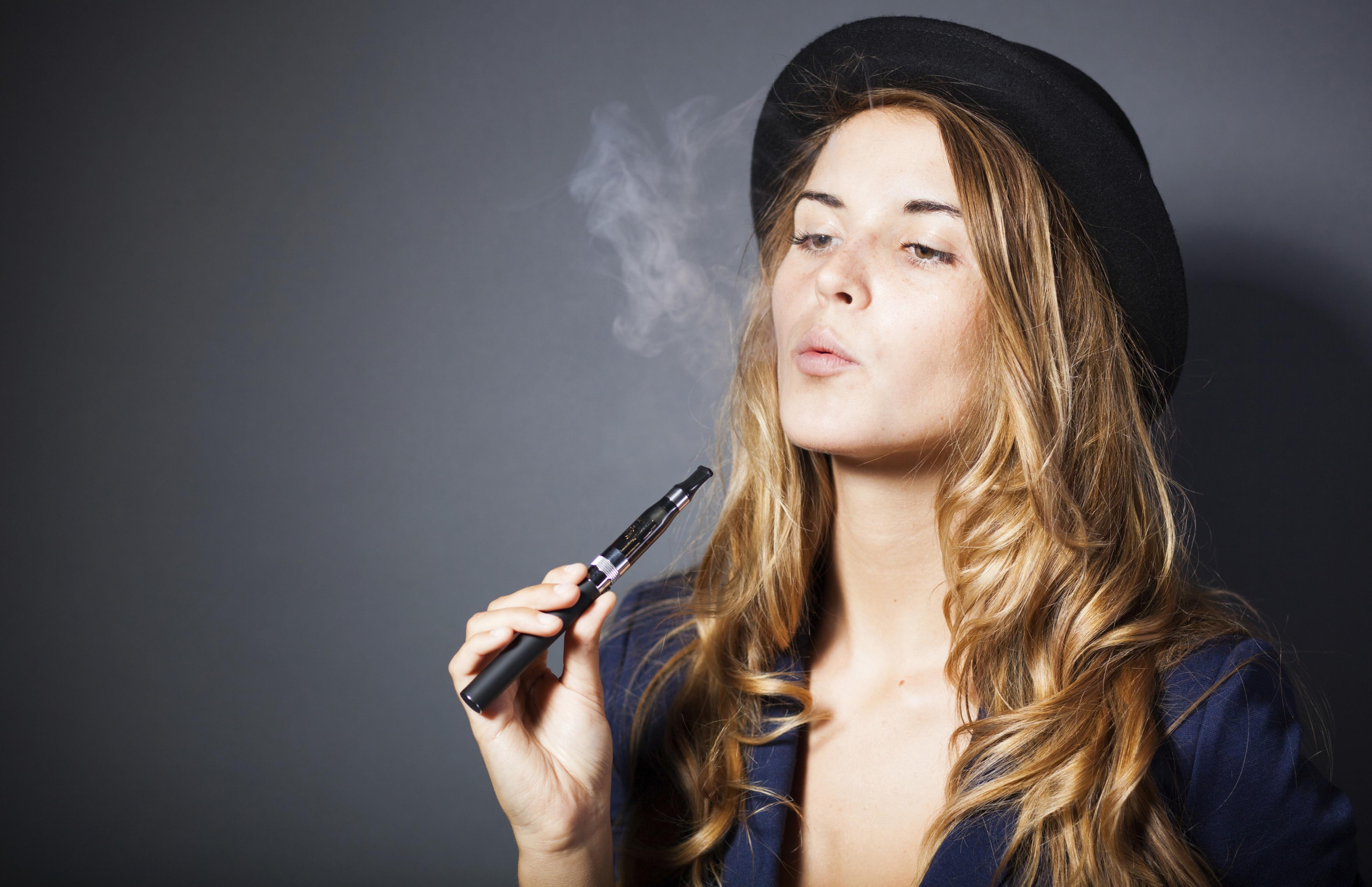 Elektronske cigarete so vse prej kot varne za uporabo!