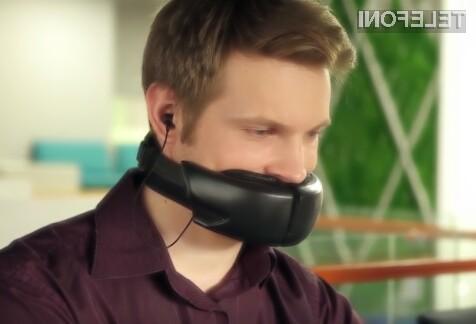 Maska za opravljanje zasebnih pogovorov v javnosti Hushme je sila učinkovita, njen videz pa ni ravno posrečen.
