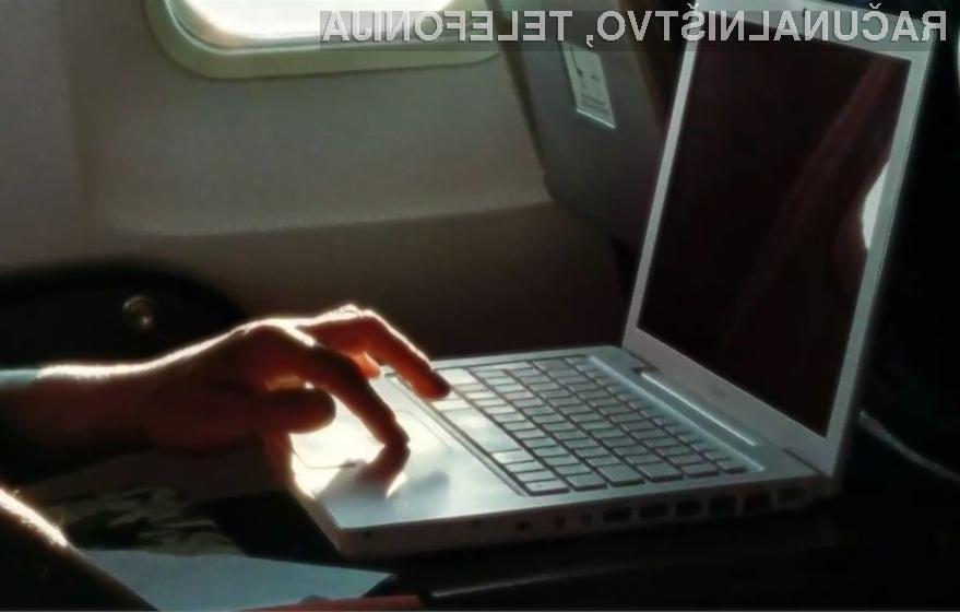 Bomo v kabine potniških letal kmalu lahko vnašali le še manjše elektronske naprave?