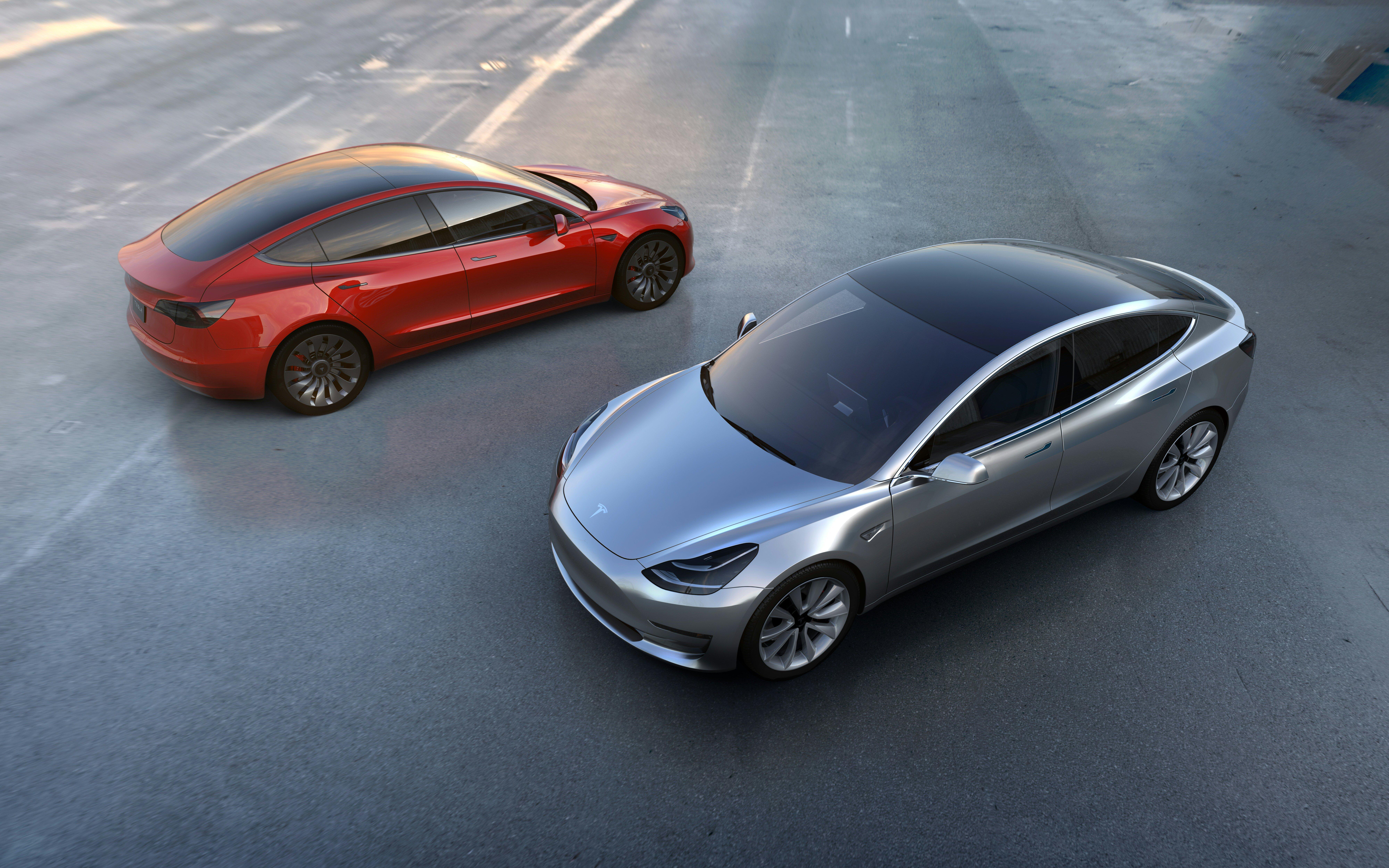 Električni avtomobil Model 3 bo podjetje Tesla Motors najverjetneje izvlekel iz finančnih težav.