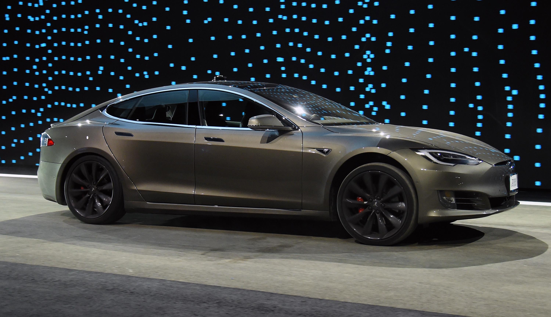 Tesla Model 3 dejansko pomeni revolucijo na področju električnih vozil!
