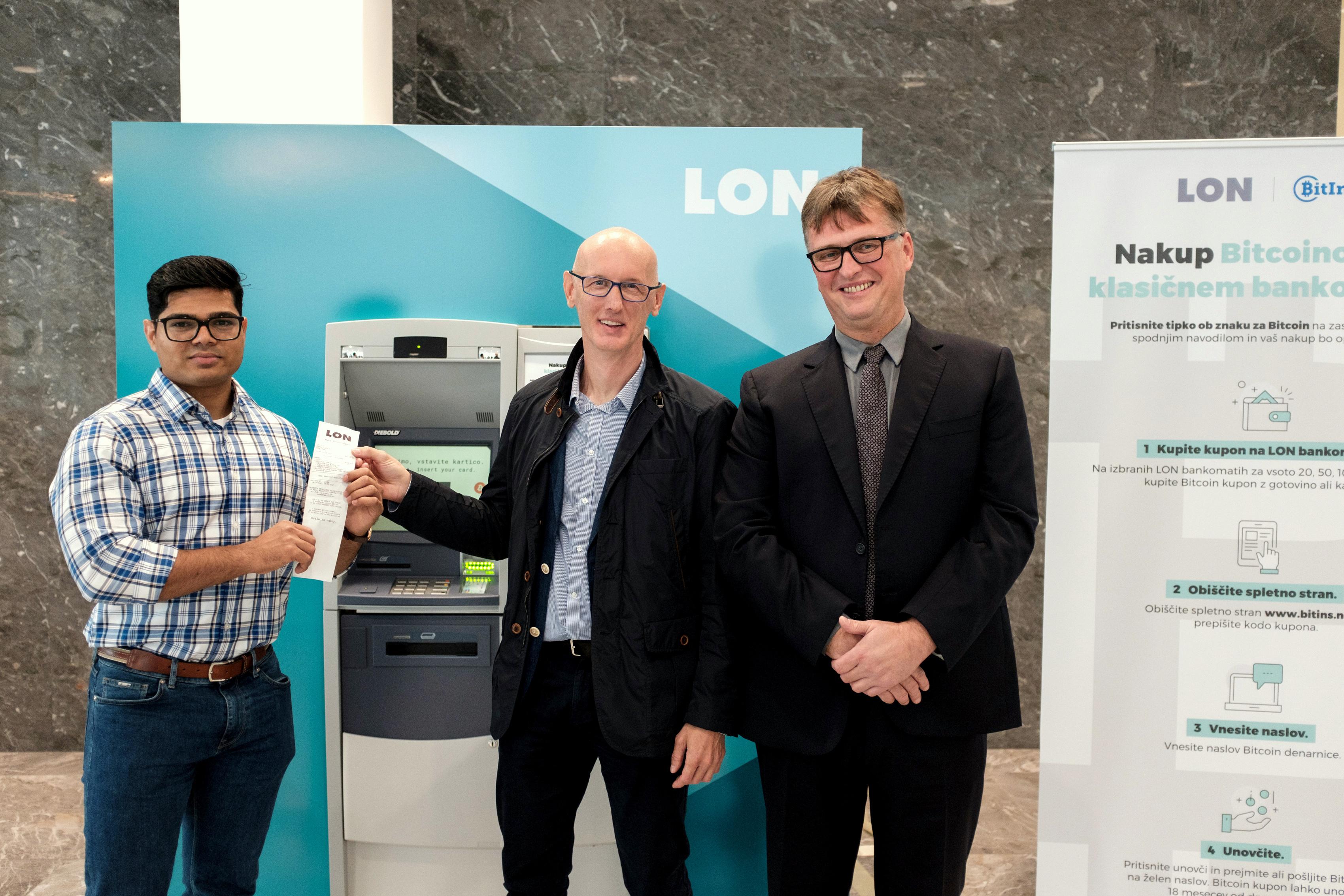 Od leve proti desni: Ram Budime, direktor podjetja Bitins Ltd,  Aleš Merčun, vodja razvoja Keas d.o.o.  in dr. Jaka Vadnjal, predsednik uprave LON-a.