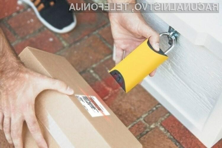 Pametno ključavnico BoxLock Home lahko odklenemo le z namenskim ključem ali pa s skeniranjem kode za sledenje paketu.