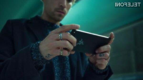 Novi Razer Phone je dejansko namenjen igranju mobilnih iger!