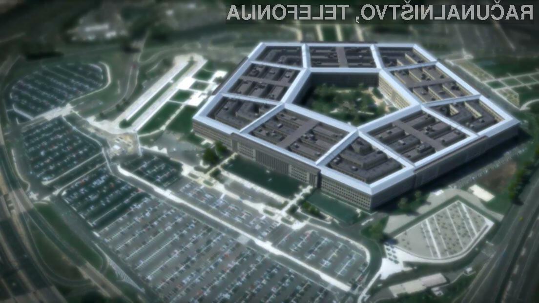 Zaradi malomarnosti Pentagona je bilo javno izstavljenih več kot 1,8 milijarde sporočil z družbenih omrežij.