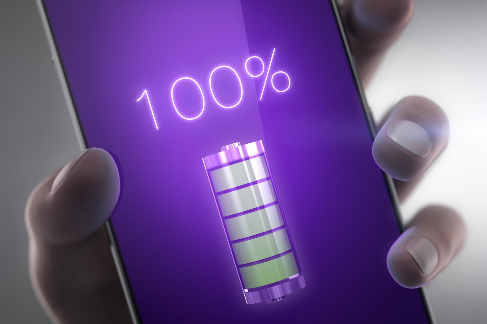 Če je le mogoče, baterije telefona nikoli ne napolnite do 100 odstotkov.
