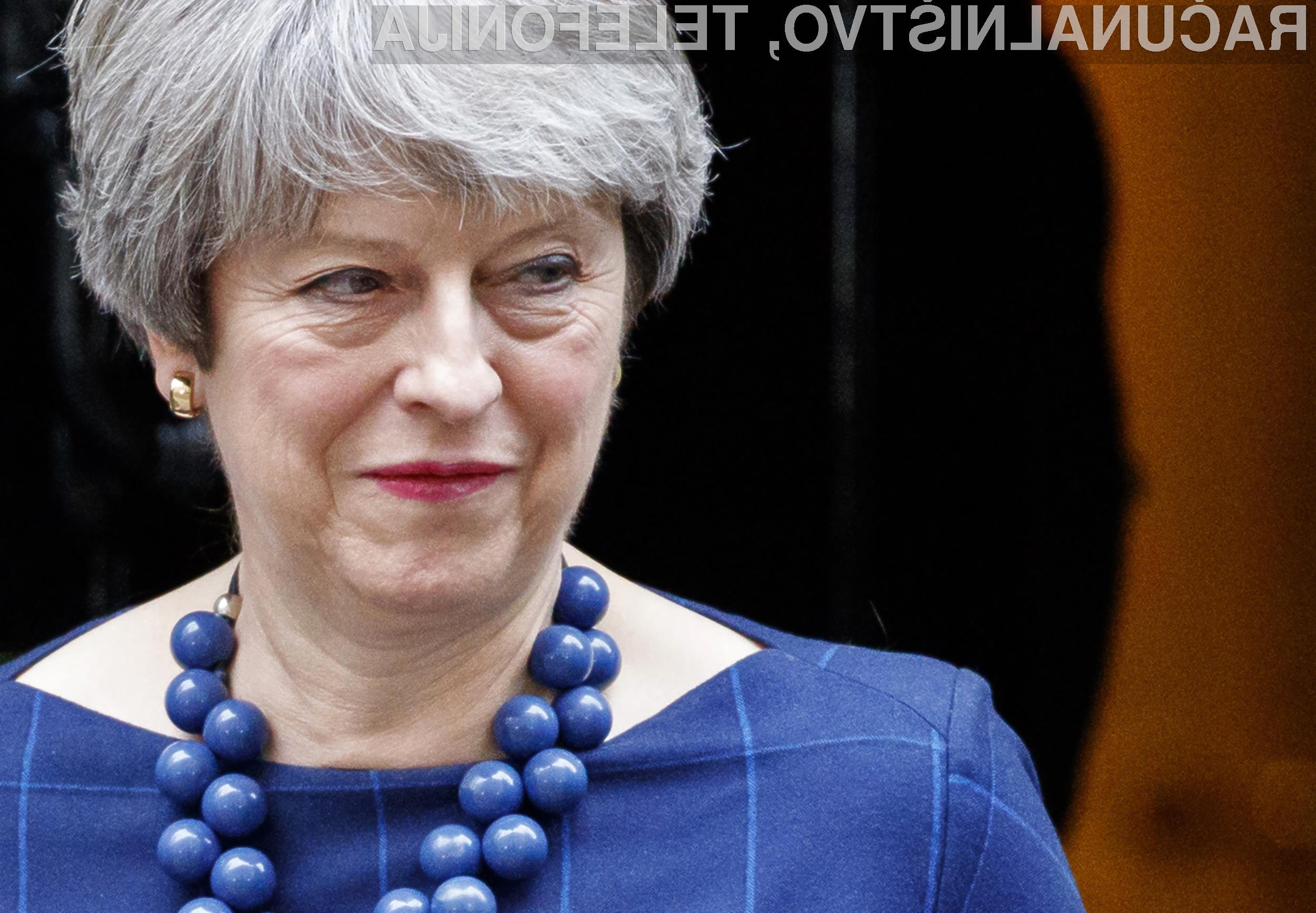 Britanska premierka Theresa May meni, da bi morala družbena omrežja odgovarjati za vsebino, ki je objavljena na njihovih portalih.