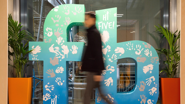 Facebook je obljubil, da bo bolje ravnal z osebnimi podatki uporabnikov.