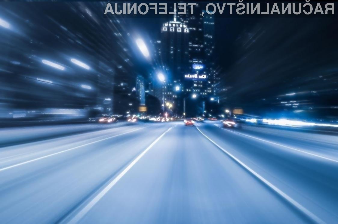Kitajska namerava vse pametne avtomobile povezati v enotno omrežje, ki ga bo nadzirala umetna inteligenca.