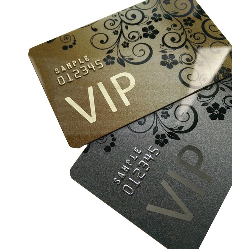 Ali ste vedeli, da je običajna PVC kartica debela 0,76 milimetra, medtem ko je najtanjša kartica debela le 0,3 milimetra?