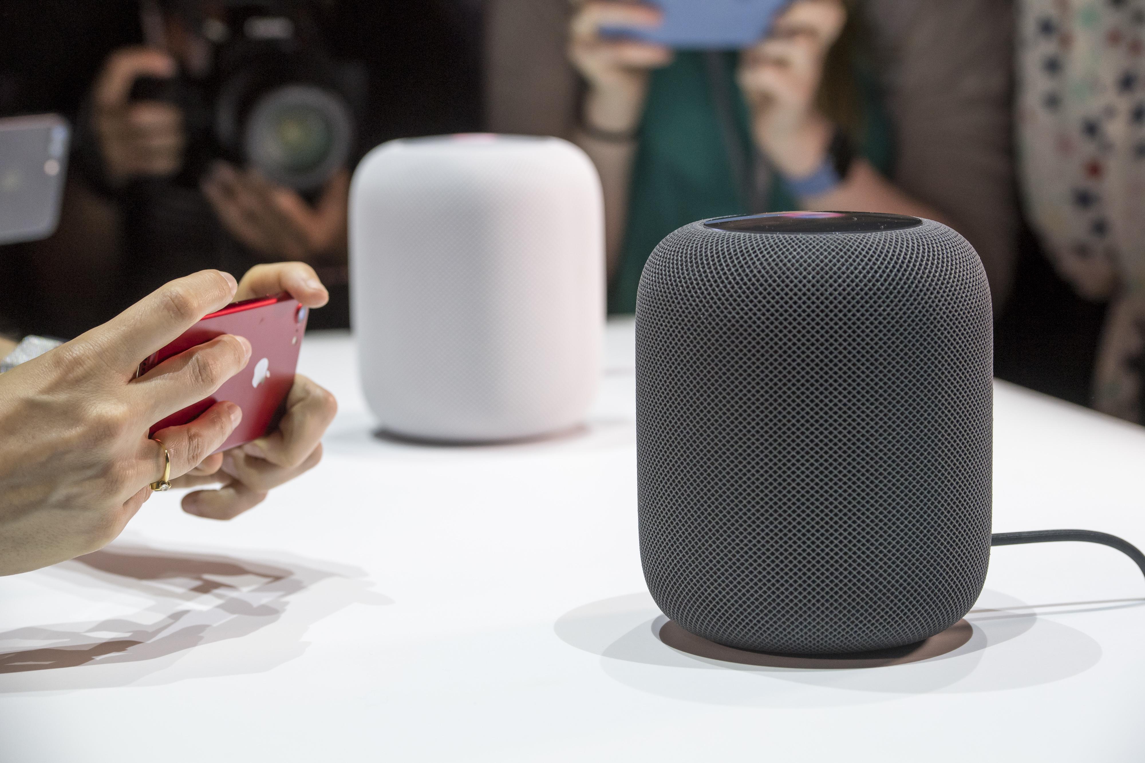 Pametni zvočnik Apple HomePod ima tako prednosti kot slabosti!