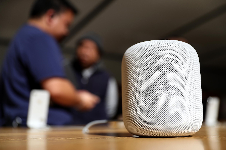 Uporaba pametnega zvočnika Apple HomePod na lesenih površinah ni priporočljiva!