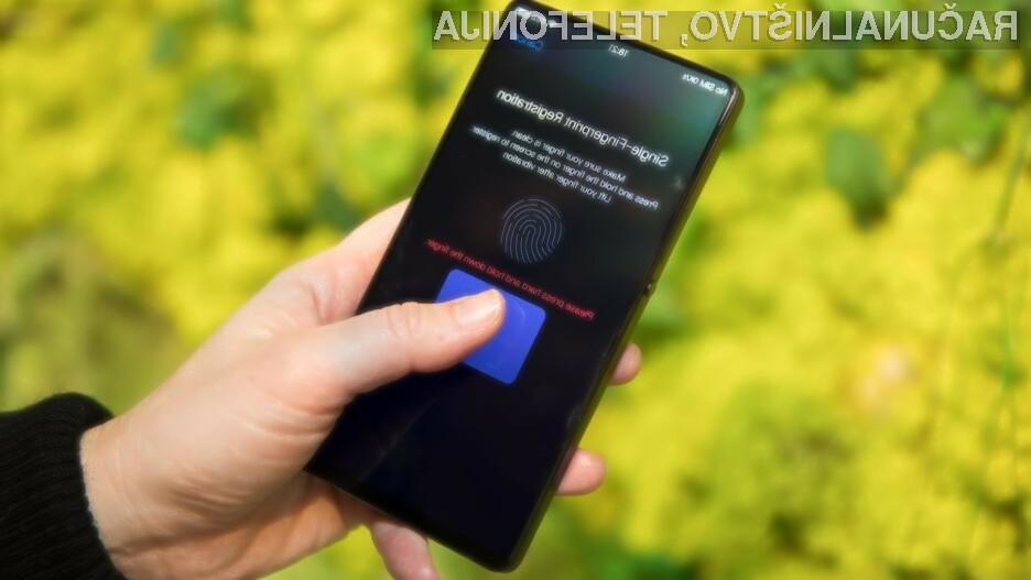 Zaslon pri telefonu Vivo APEX lahko uporabljamo tako v vlogi bralnika prstnih odtisov kot zvočnika.