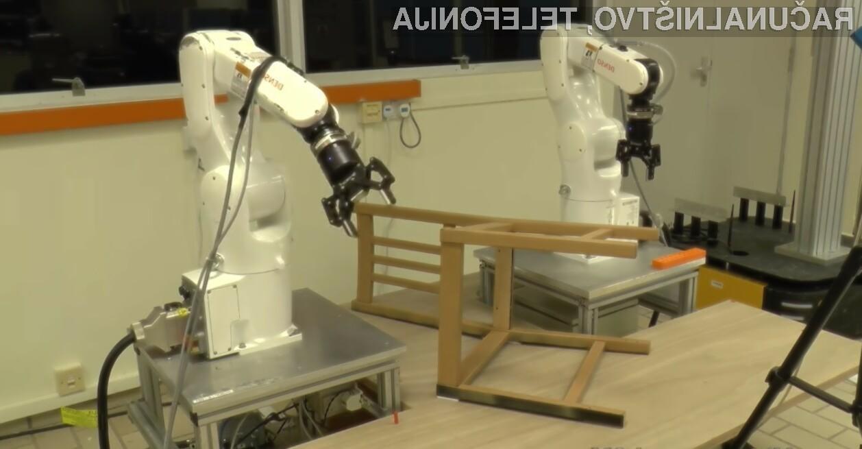 Robot je za sestavo lesenega stola potreboval približno 20 minut.