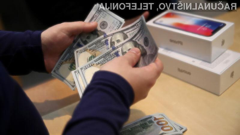 Apple s pametnimi mobilnimi telefoni iPhone zasluži zdaleč največ!