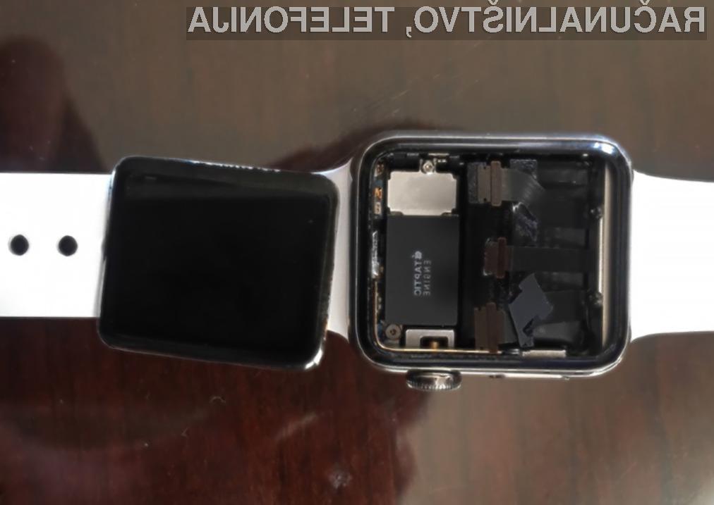 Skupina jeznih uporabnikov v skupinski tožbi od podjetja Apple zahteva odškodnino v skupnem znesku preračunanih 4,2 milijonov evrov