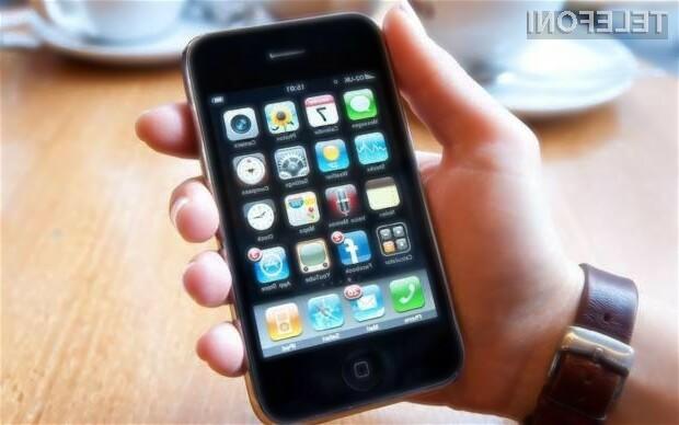 Nakup pametnega mobilnega telefona Apple iPhone 3G bo kupce olajšal za zgolj preračunanih 34 evrov.