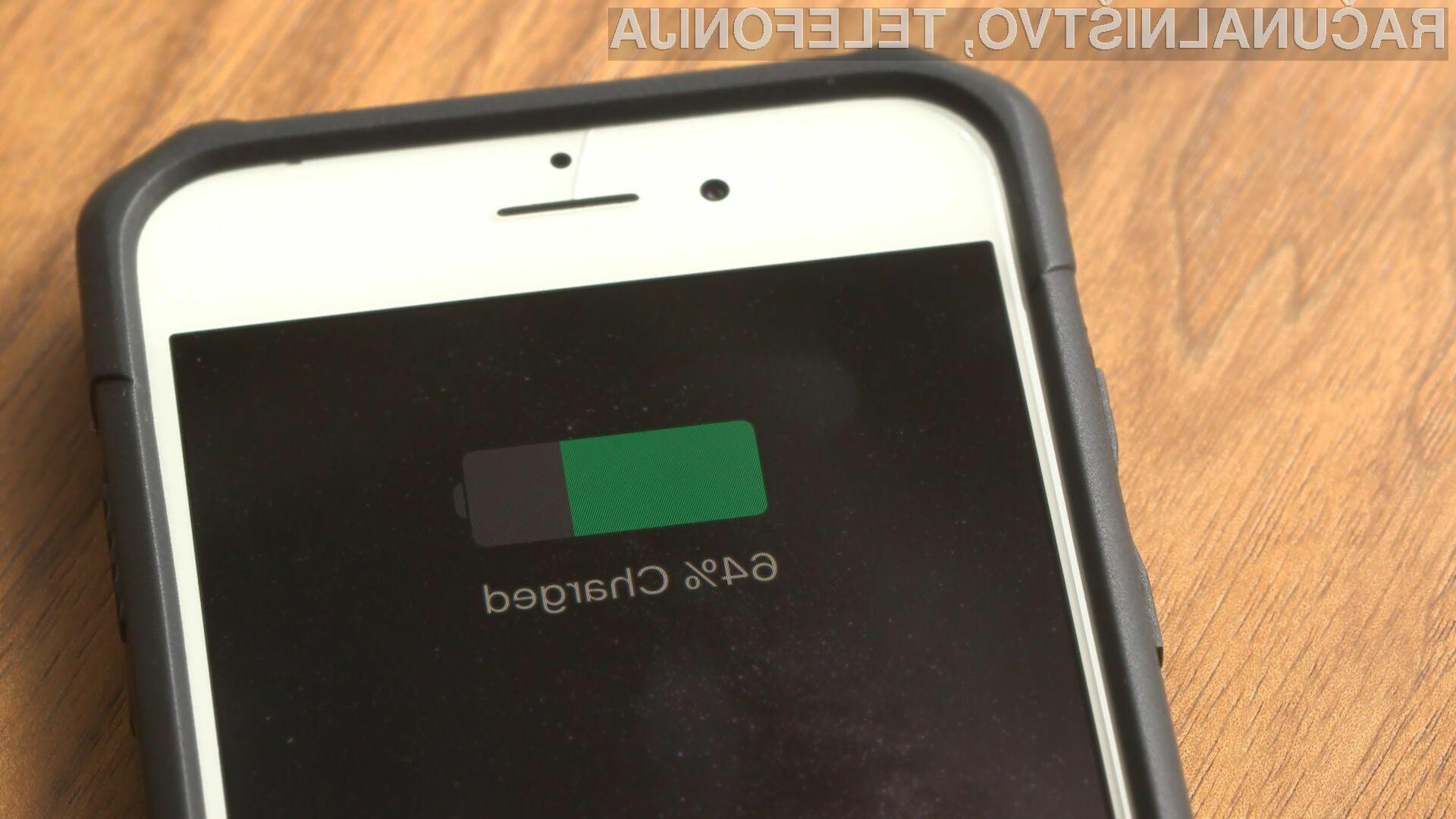 Daljšo avtonomijo delovanja pametnih mobilnih telefonov je mogoče doseči tudi z namensko aplikacijo!