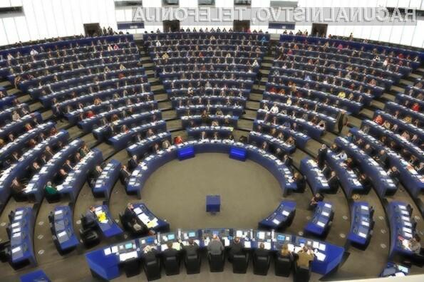 Evropski parlament je s 348 glasovi za in 274 proti sporno direktivo potrdil že v drugem branju.