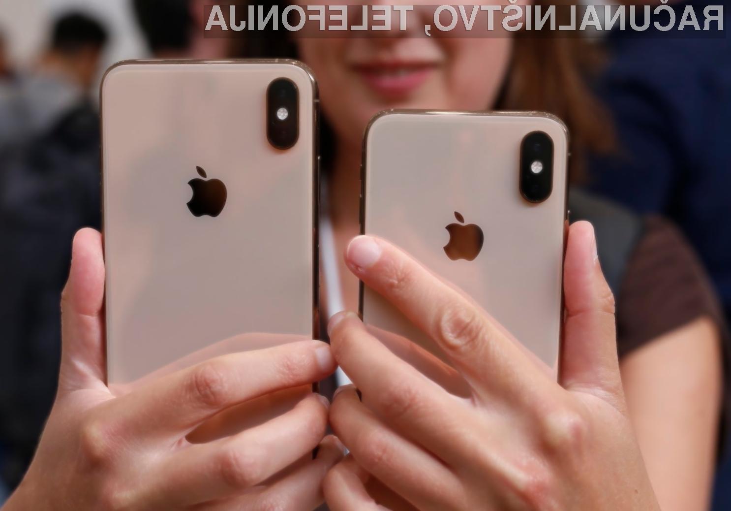 Če oseba, ki ni lastnik telefona iPhone XS ali iPhone XS Max, petkrat pogleda v sprednjo kamero, se ta samodejno zaklene.
