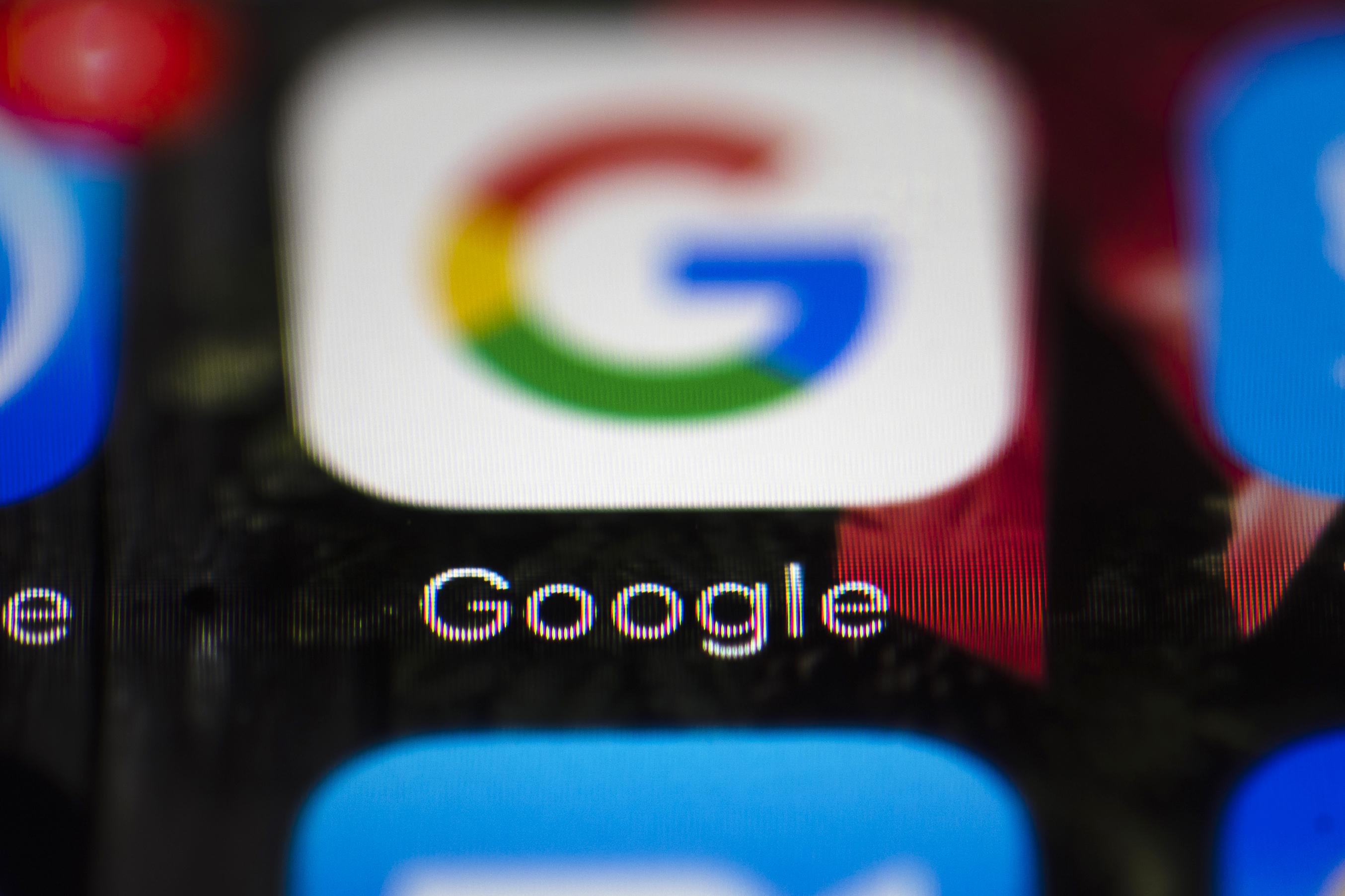Google bo za evropski trg razdelili licenco za njihove standardne aplikacije iz Chroma in njihov uradni spletni iskalnik Google.