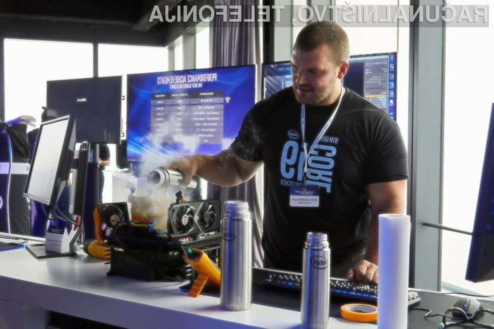 Najnovejši Intelov procesor Core i9-9900K se navija kot za stavo!