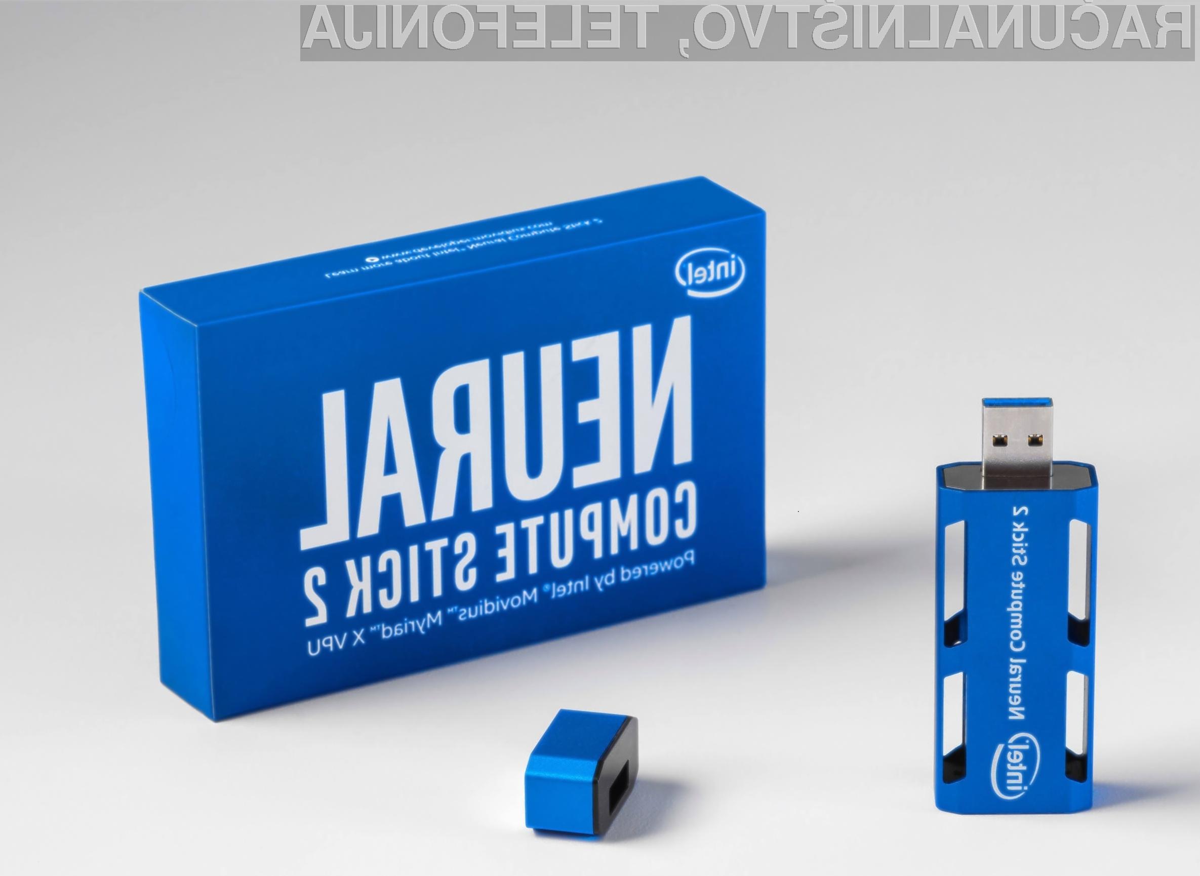 Ključek Intel Neural Compute Stick 2 ponuja izjemno računsko moč ob neznatni porabi električne energije.