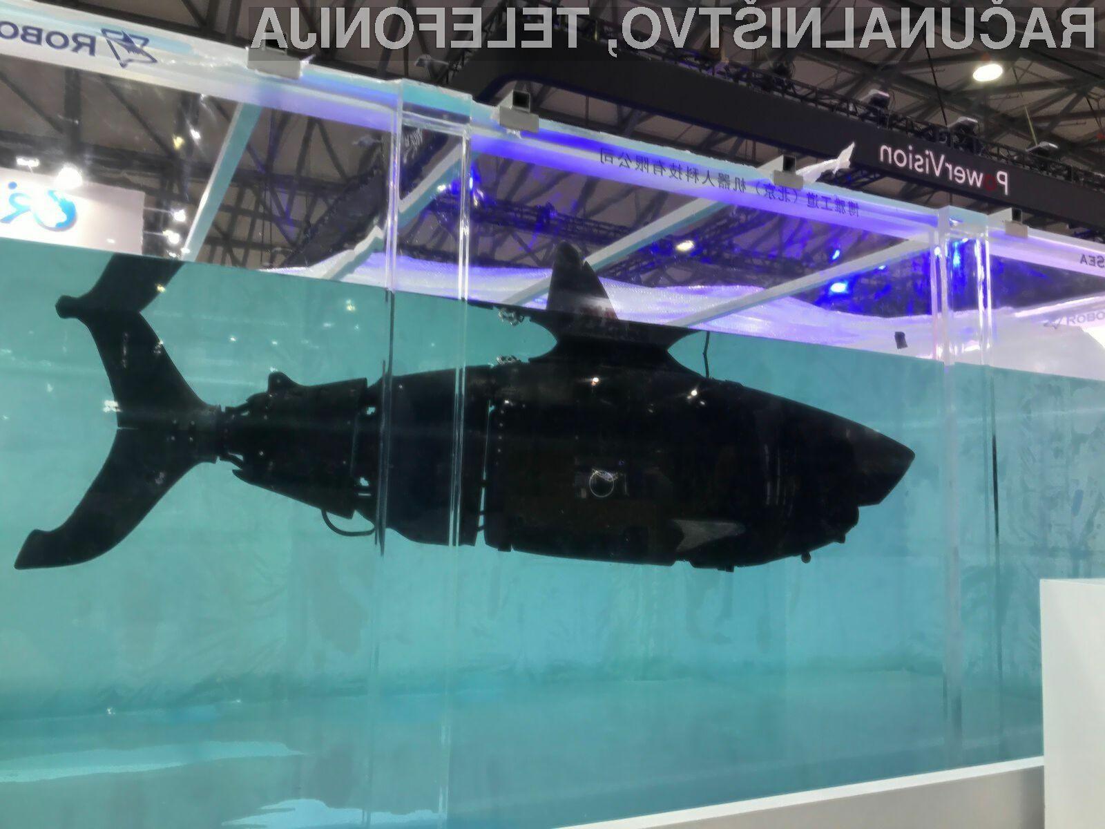 Robot Robo-Shark po obliki spominja na morskega psa.