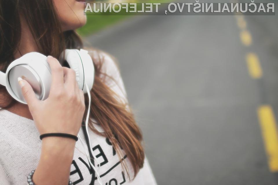 Svetovna zdravstvena organizacija zahteva omejitev glasnosti na pametnih telefonih