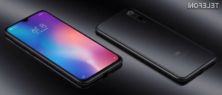 Pametni mobilni telefon Xiaomi Mi 9 SE je nekoliko cenejši v primerjavi z modelom Mi 9.