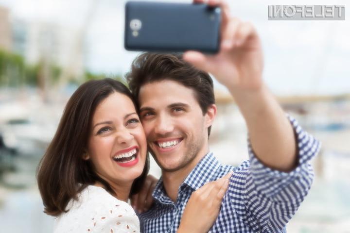 Sistem treh spletnih kamer naj bi poskrbel za popolne sebke ob vsaki priložnosti.