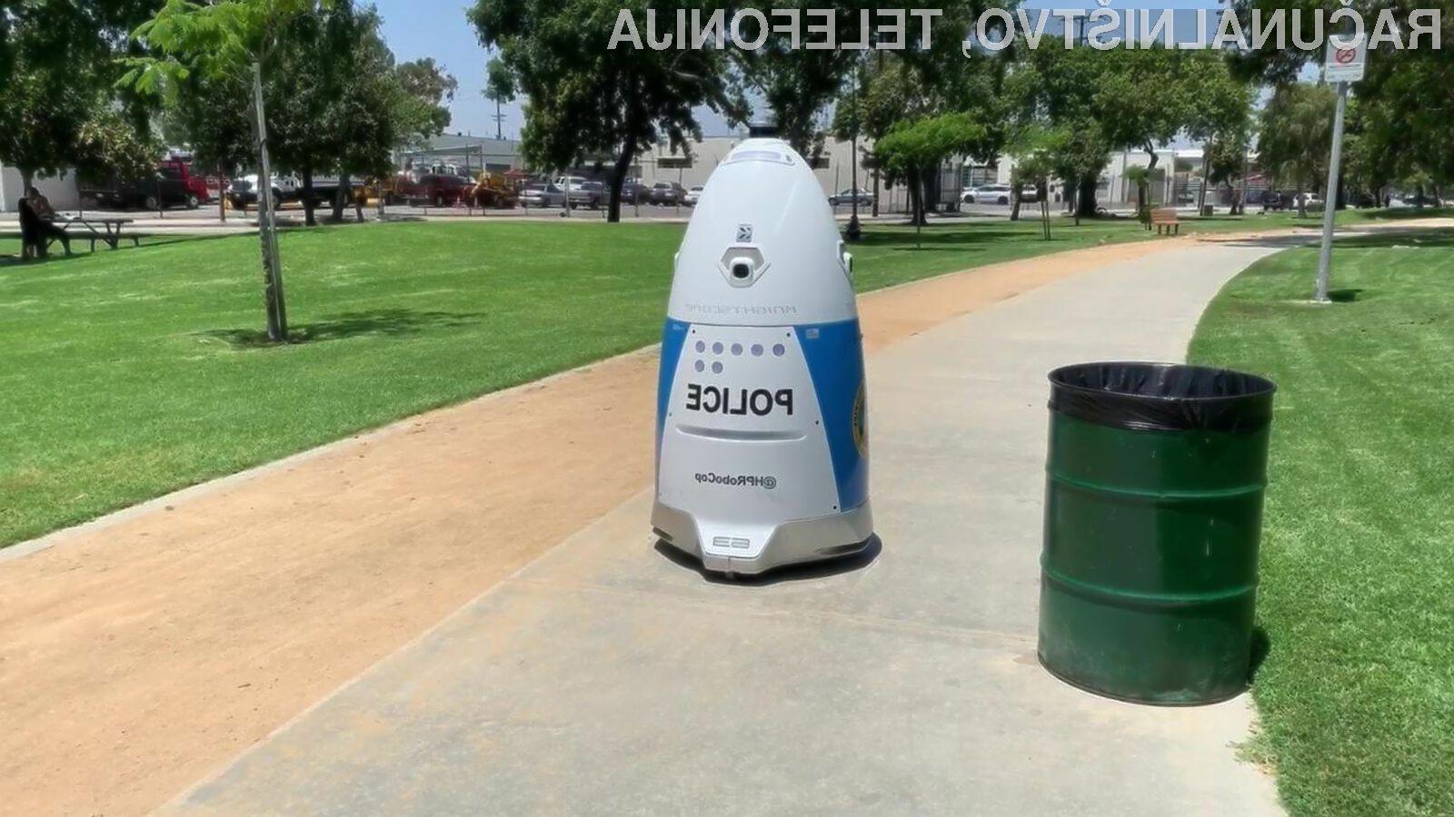 Robot policist je naletel na veliko zanimanje s strani javnosti.