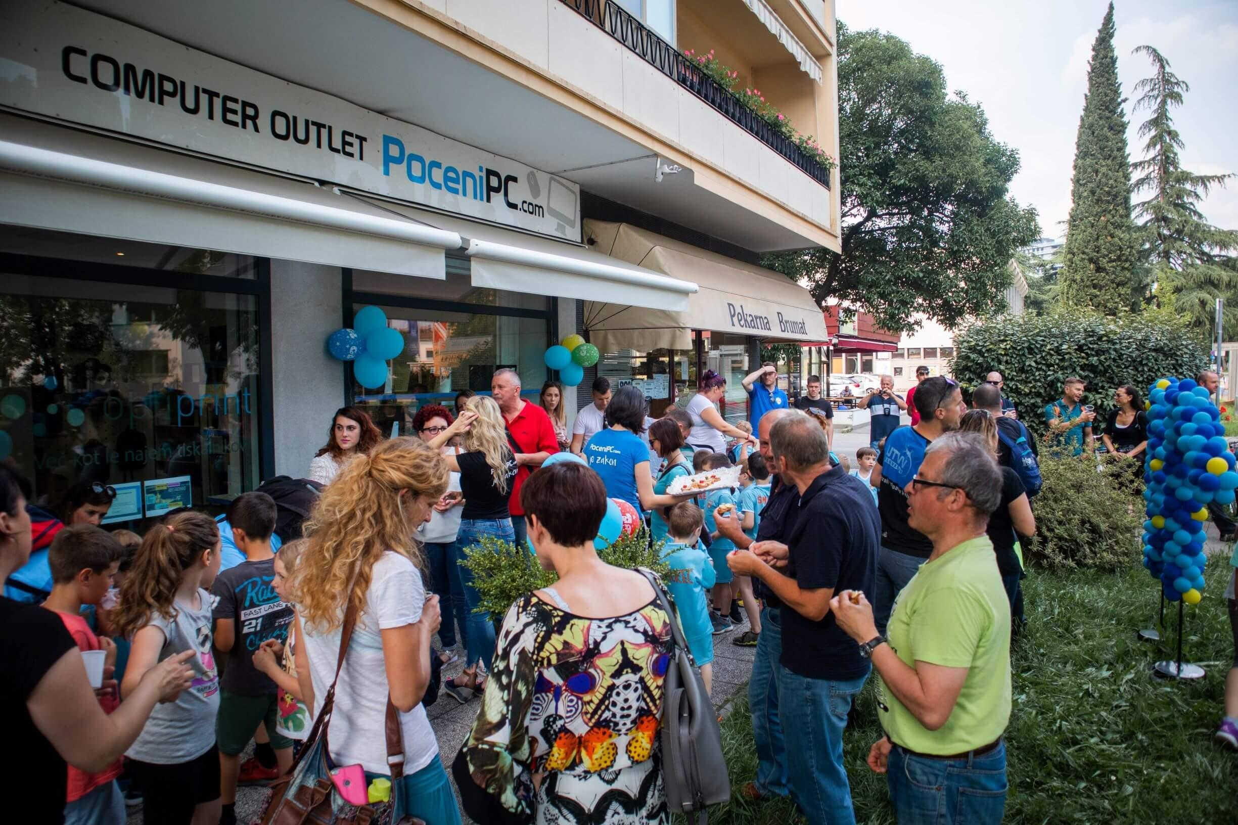 Dogodek je bil namenjen vsem, ki njihove storitve že poznajo, in tistim radovednim, ki bi jih radi spoznali in izvedeli več o PoceniPC.com.