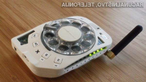 Retro in sodobna tehnologija telefonije združena v enem.