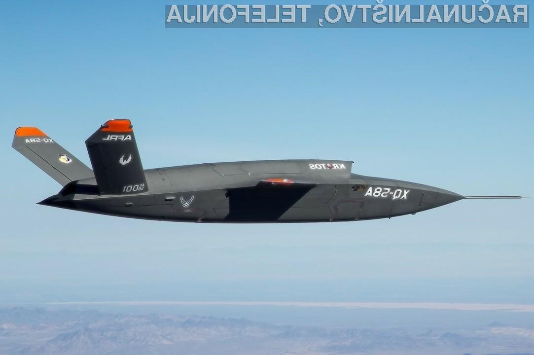 Ameriška vojaška letala XQ-58 Valkyrie na vojno čakala kar v ladijskih zabojnikih.